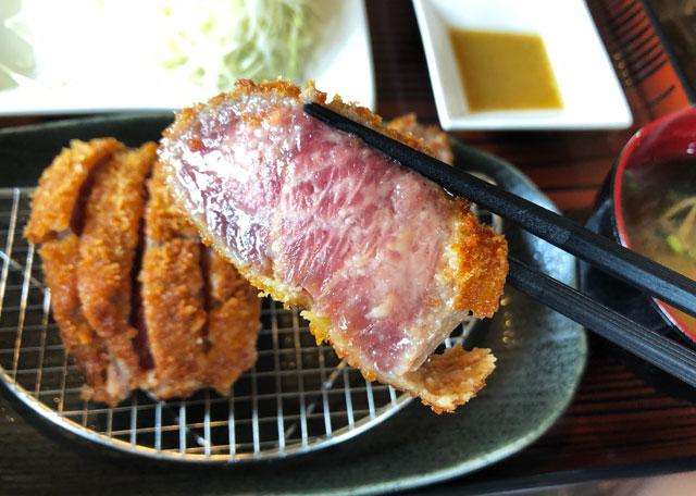 富山初!牛かつ専門店「RIKI リキ」の牛カツ定食のほぼ生肉