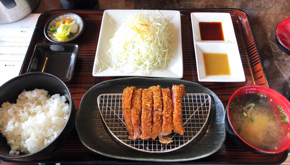 富山初!牛かつ専門店「RIKI リキ」の牛カツ定食