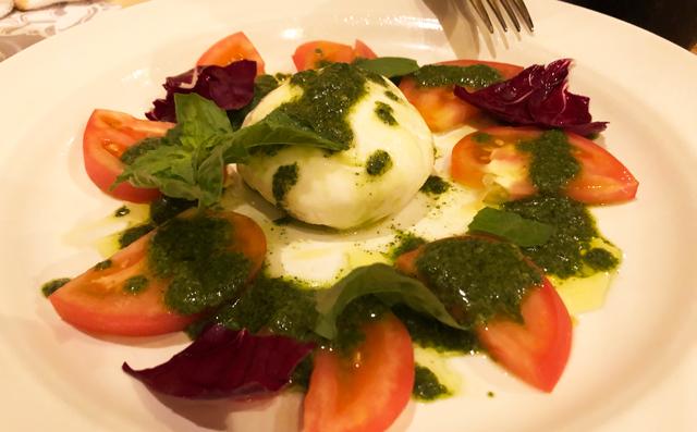 イタリア料理屋「TRATTORIA SACCHI(トラットリア サッチ)」のカプレーゼ