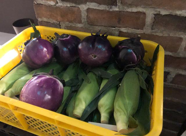 イタリア料理屋「TRATTORIA SACCHI(トラットリア サッチ)」の野菜販売