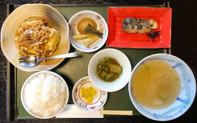 四十萬亭(しじまてい)の1000円の日替わり定食