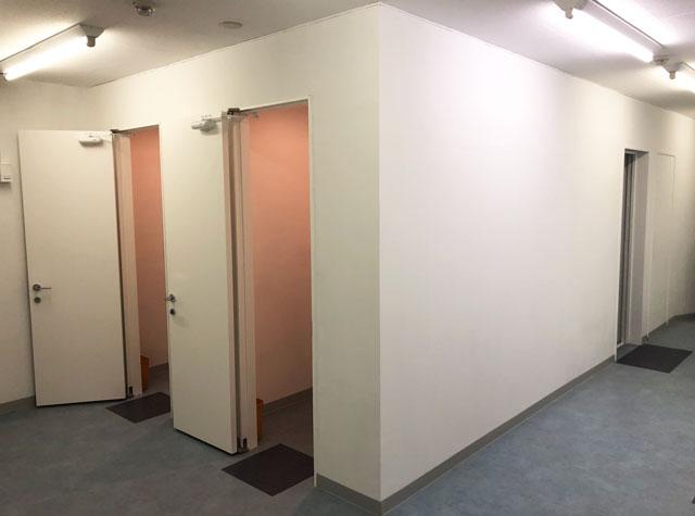 富山駅徒歩6分の格安ゲストハウス「いるかホステル」のシャワー室