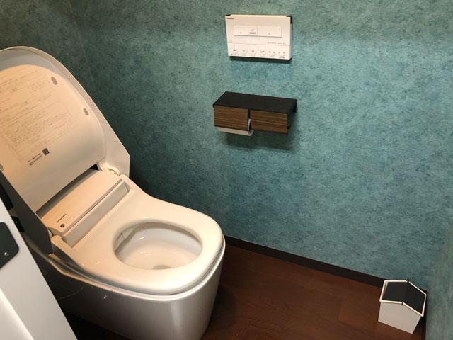 富山駅徒歩6分の格安ゲストハウス「いるかホステル」のトイレ