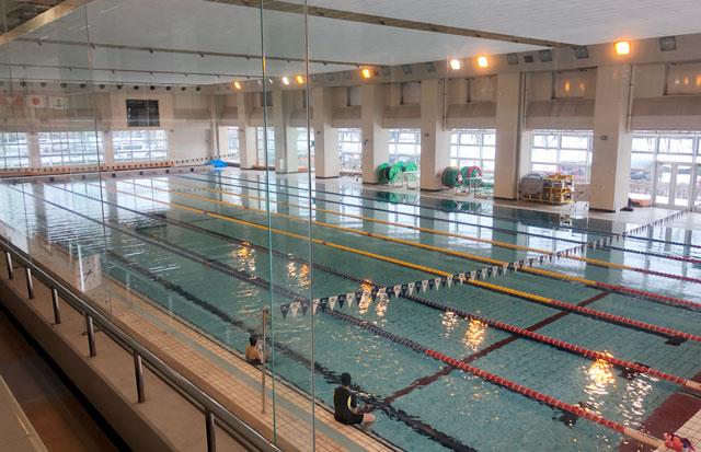 富山県総合体育センターの50mプール
