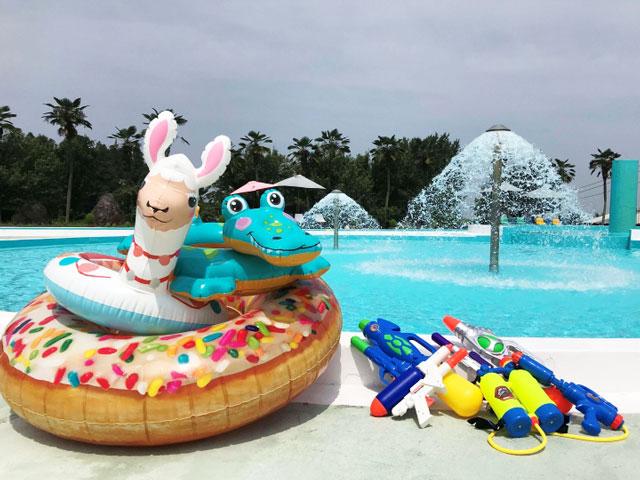 富山県魚津市にある金太郎温泉の屋外プール