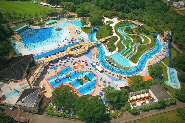 「太閤山ランドのプール広場」富山県射水市の大人気のプール