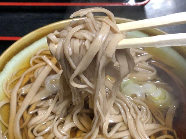 越中八尾の手打ち蕎麦「高野」の麺