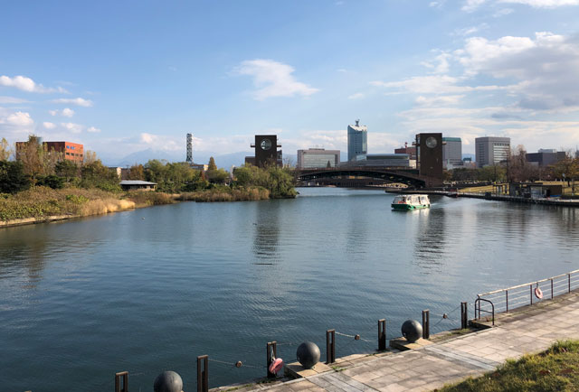 富山市環水公園の富岩運河