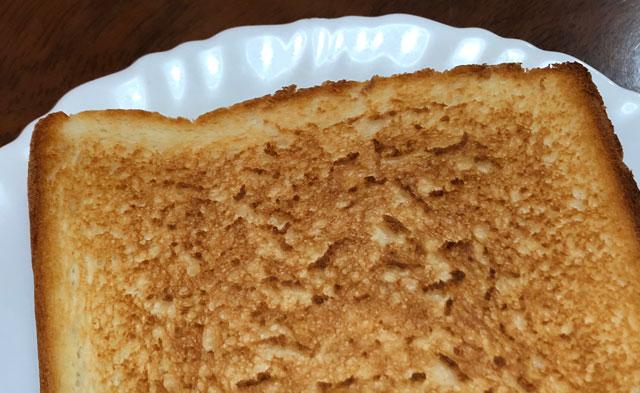 焼きたて食パン専門店一本堂のトーストした生クリーム食パン