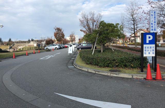 富山市富岩運河環水公園の無料駐車場1