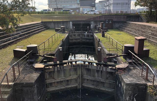富岩運河環水公園の牛島閘門(こうもん)