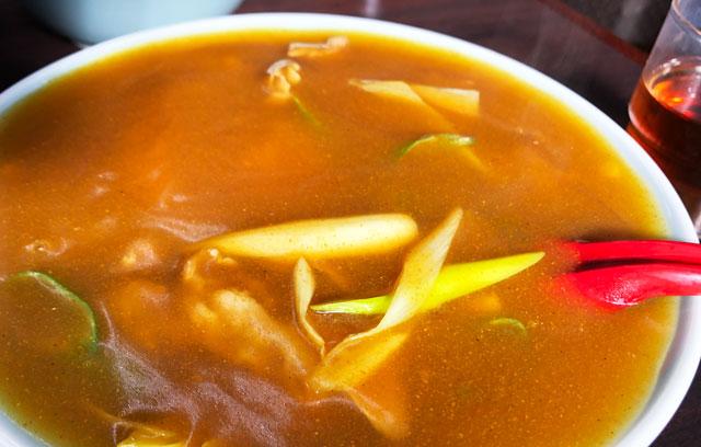 新湊の麺処スパローのカレー中華