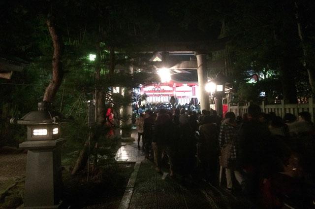 富山 日枝神社(山王さん)の初詣参拝の行列2
