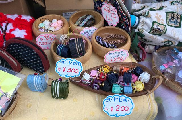 富山縣護國神社の蚤の市の手作り品のお店