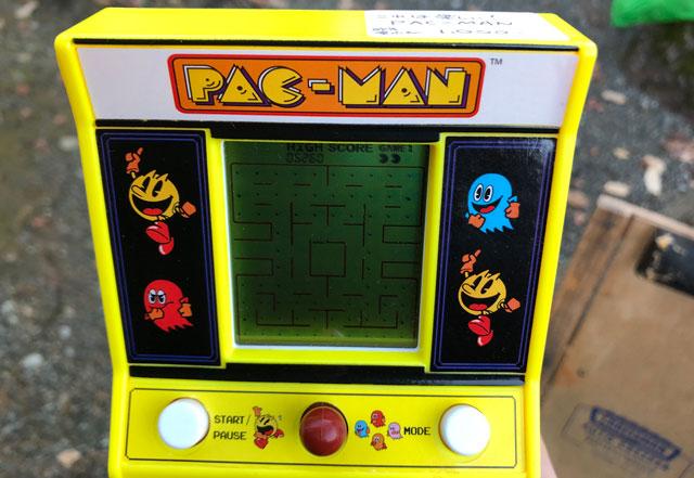 富山縣護國神社の蚤の市で売ってたパックマンのゲーム