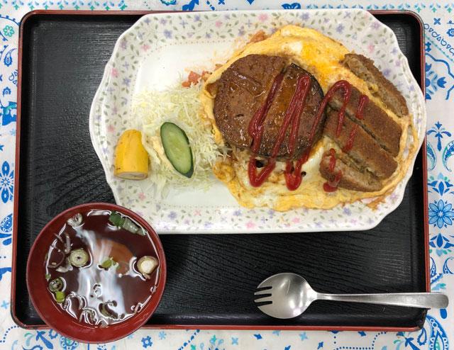 富山交通(富タク)の食堂のトミタクライス