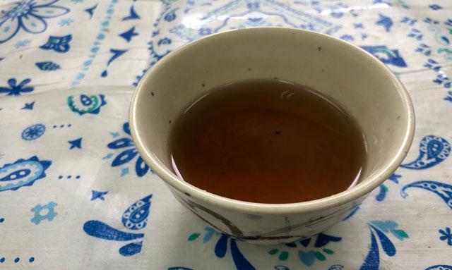 富山交通(富タク)の食堂のお茶