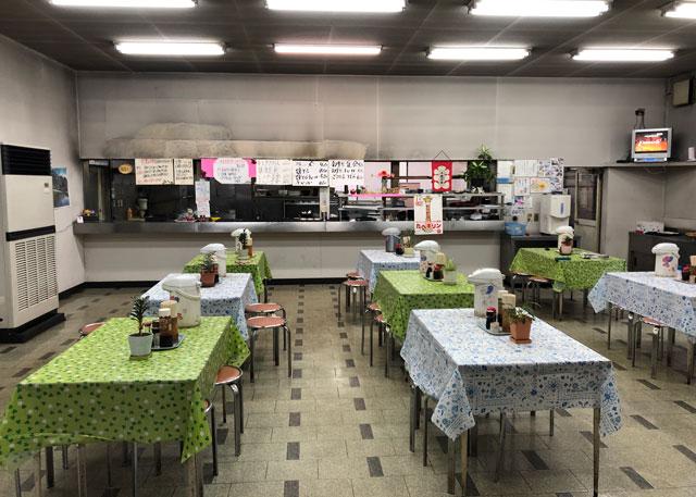 富山交通(富タク)の食堂の中の様子