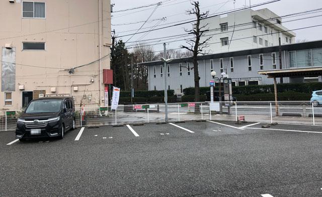 富山大学五福キャンパス目の前のパン屋さん「とやぱん」の駐車場