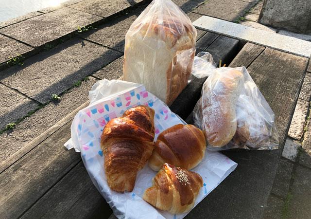 越中岩瀬ベーカリーみやので購入したパン
