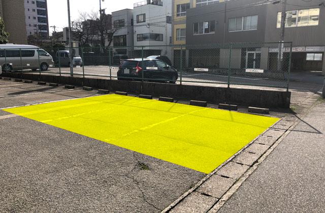 富山市丸の内の「中華そば つぼみ」の駐車場