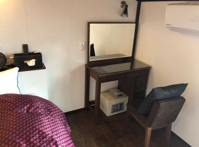 新湊内川エリアの民泊ゲストハウス「内川の家 奈呉」の2階の客室「梅の間」3