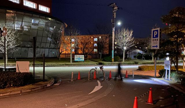 富山市富岩運河環水公園の駐車場のクローズ