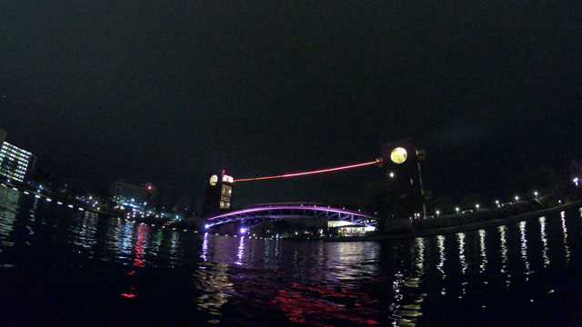 富岩運河環水公園の天門橋のライトアップイルミネーション