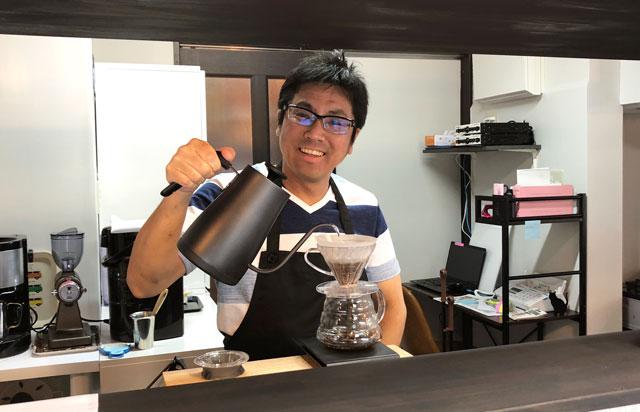 富山市婦中町のカフェ「さくらとねこと」のマスター