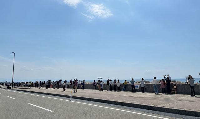 富山県魚津市の蜃気楼発生時の混雑
