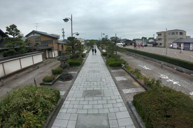 高岡市の国宝「瑞龍寺」の参道