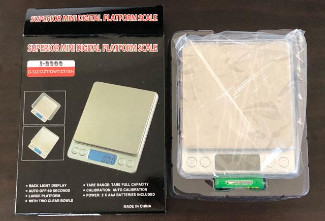 SUPERIOR MINI DIGITAL PLATFORM SCALE(スーパーミニデジタルプラットフォームスケール)の装丁、箱と中身