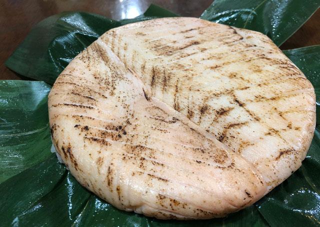 楽天市場、寿司ランキング週間1位の鱒寿司ヒロ助のトロ炙り鱒寿司の見た目
