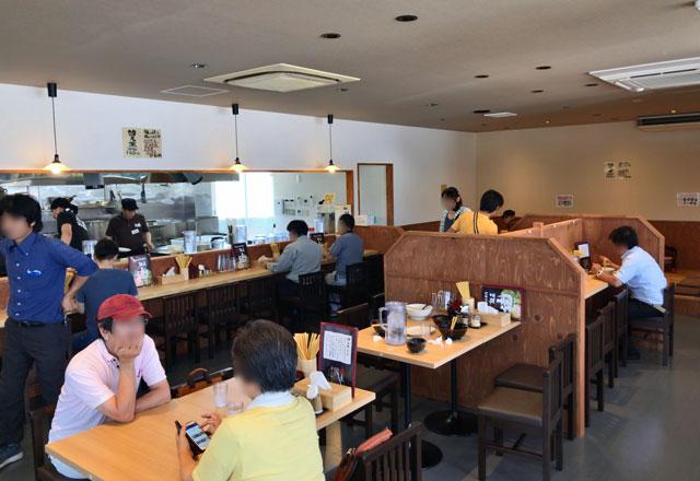 「麺屋 達(めんやたつ) 古沢店」の店内の様子