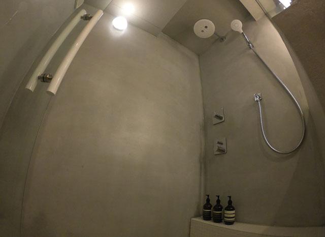 水辺の民家ホテル「ウミネコ」のシャワールーム