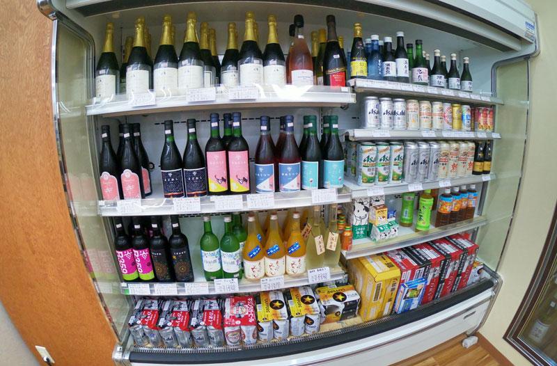 富山駅北の酒屋「リカーポケットみずはた」のビールなど