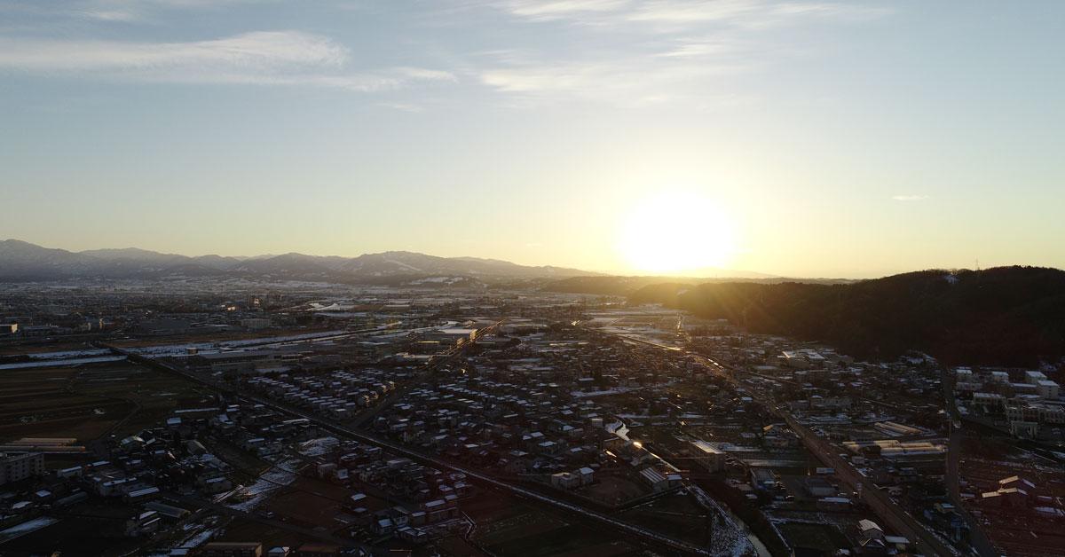 富山市の夕焼けと立山連峰