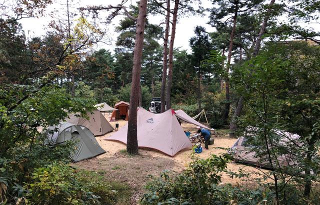 南砺市井波にある「閑乗寺公園キャンプ場」のガーデンサイト