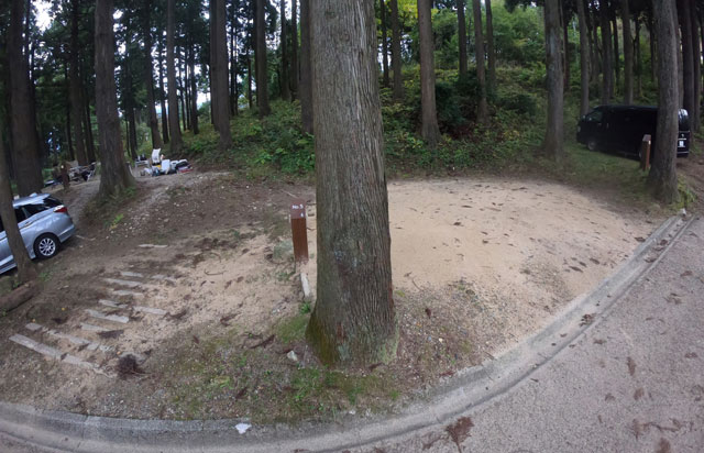 南砺市井波にある「閑乗寺公園キャンプ場」の第2キャンプ場のキャンプサイト