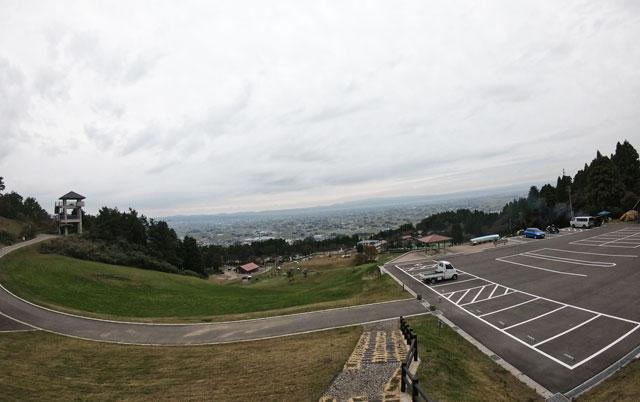 南砺市井波にある「閑乗寺公園キャンプ場」の展望台
