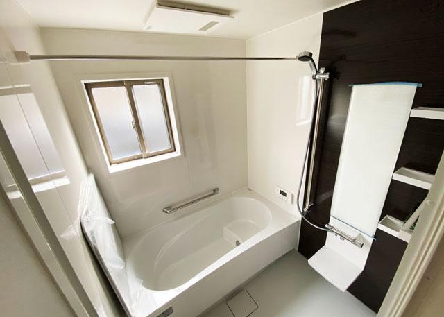 富山市上二杉のミタホームのオープンハウスの風呂場