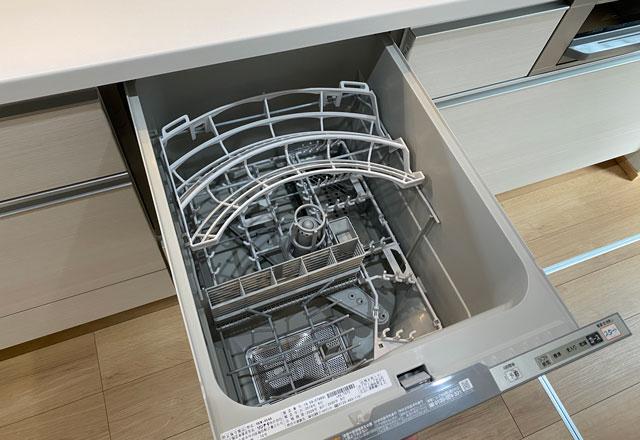 富山市上二杉のミタホームのオープンハウスのキッチンの食洗機