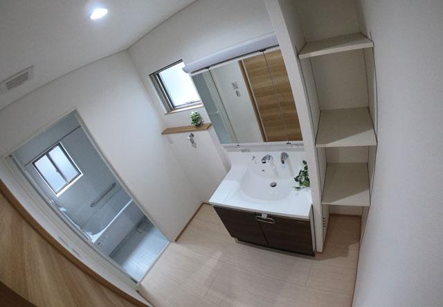 富山市上二杉のミタホームのオープンハウスの洗面所