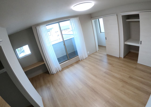 富山市上二杉のミタホームのオープンハウスの2階の寝室