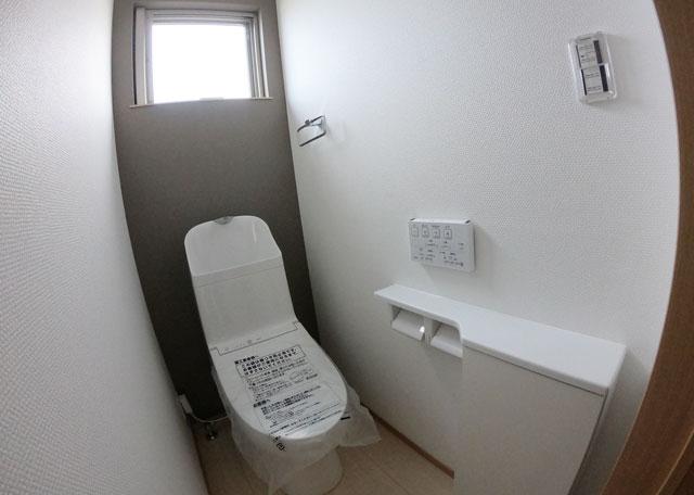 富山市上二杉のミタホームのオープンハウスの1階のトイレ