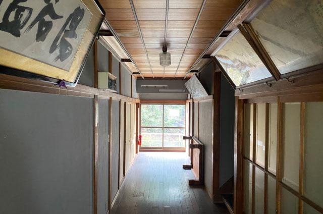 富山県南砺市の秘境温泉「湯谷温泉旅館(ゆだにおんせんりょかん)」の景色