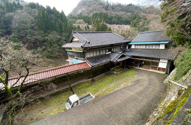 富山県南砺市の秘境温泉「湯谷温泉旅館(ゆだにおんせんりょかん)」