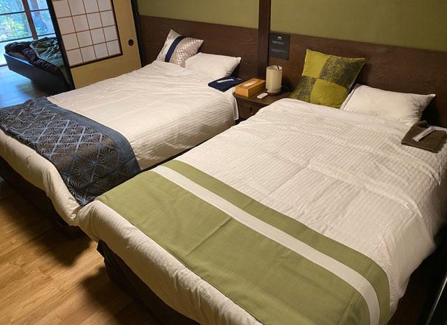 富山県富山市岩瀬の売薬宿屋「山キ」のベッドルーム1