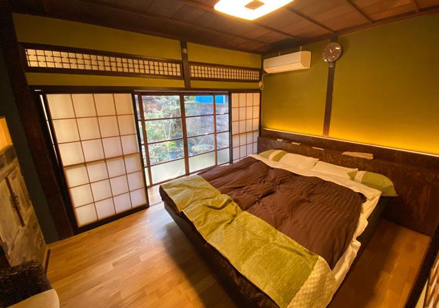 富山県富山市岩瀬の売薬宿屋「山キ」のベッドルーム2