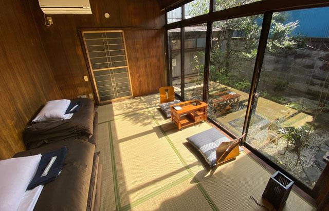富山県富山市岩瀬の売薬宿屋「山キ」の5人宿泊だとちょと狭い